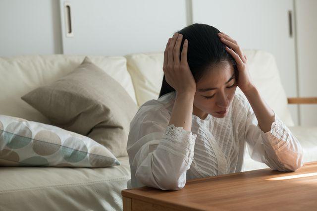 精神的苦痛を受けた女性のイメージ画像