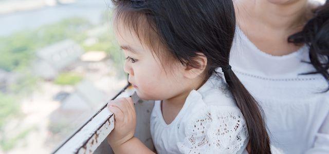 虐待で逮捕された親には子どもへの接近禁止命令が下される可能性がある