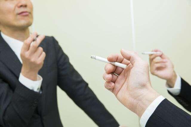 『喫煙者は一切採用しません』は法律的にどうなの?弁護士に聞いてみた