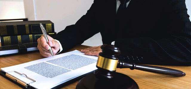 契約書のリーガルチェックにかかる弁護士費用はいくら?