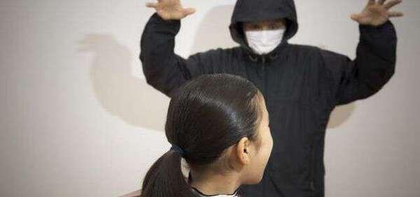 わいせつ 公然 公然わいせつ罪になる行為とは?罰則と逮捕後の流れ
