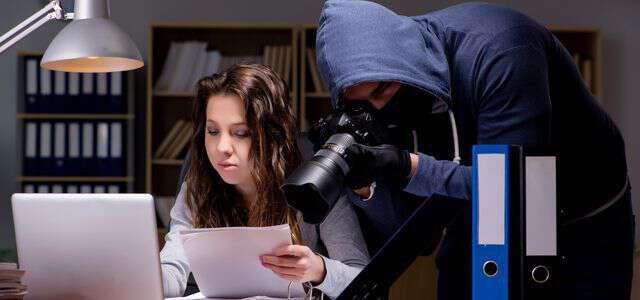 プライバシーの侵害になる条件|裁判例と弁護士に依頼するメリット
