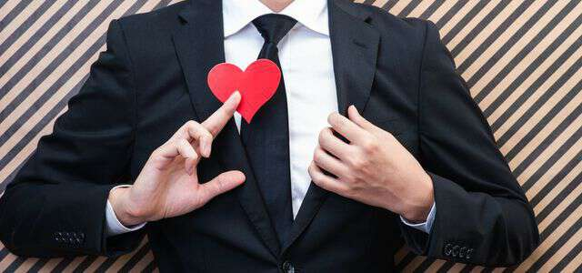 婚活女性を狙う結婚詐欺師の手口と見抜き方 騙されやすい人の特徴6つ