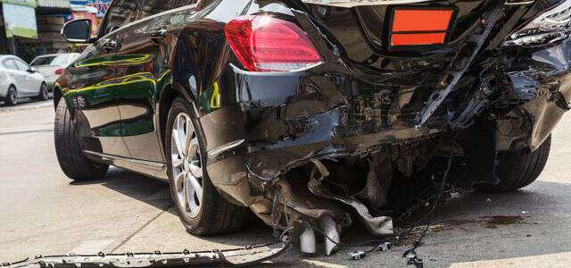 追突事故の示談金請求ガイド|損害賠償の内容と示談をする時の注意点